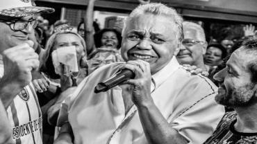 Morre, no Rio, o cantor Dominguinhos do Estácio, intérprete de samba
