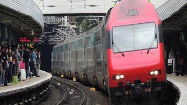 Trem atropela e mata 9 trabalhadores na China