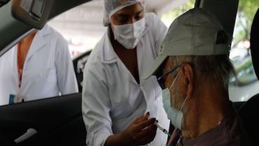 Prefeitura do Rio anuncia vacinação para pessoas a partir dos 50 anos