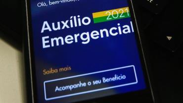 Trabalhadores nascidos em dezembro podem sacar segunda rodada do auxílio emergencial