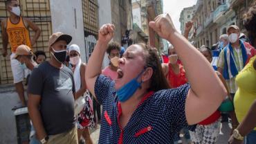 Cubanos fazem protestos contra o governo de Díaz-Canel