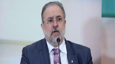 Bolsonaro indica Augusto Aras para novo mandato no comando da PGR