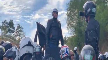 Bolsonaro participa de motociata com apoiadores em Presidente Prudente