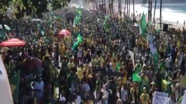 Manifestantes vão às ruas a favor de Bolsonaro e do voto impresso