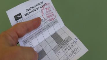 Certificado de vacinação será emitido com novas informações