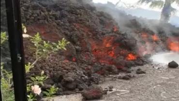 Erupção de vulcão nas Ilhas Canárias destrói casas e causa transtorno para população