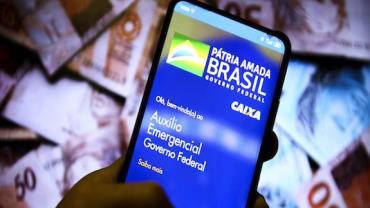 Caixa paga 6ª parcela do auxílio emergencial a nascidos em abril