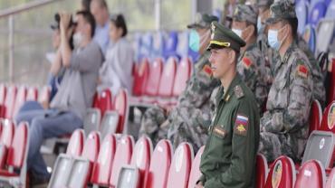 Jogos Militares da Rússia: corrida de tanques é o grande destaque