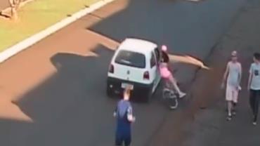 Ciclista cai e fica ferida após ser assediada no Paraná