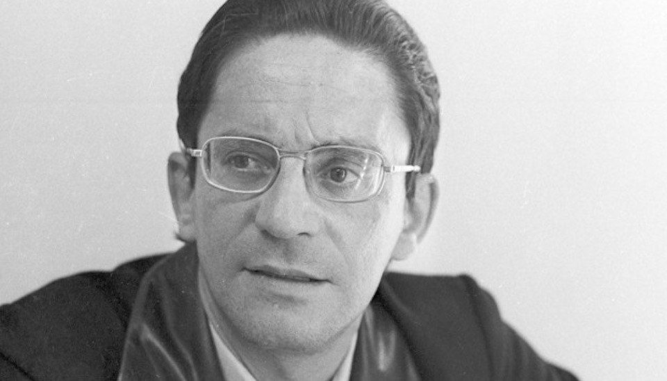 """Sérgio Cardoso era o protagonista da novela """"O Primeiro Amor"""" (1972) quando teve um ataque cardíaco e morreu aos 47 anos"""