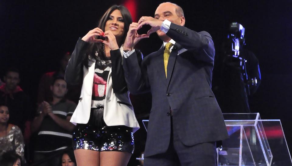 Marcelo de Carvalho posa com Hellen Caroline
