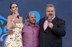 10/09 - Vidente Carlinhos faz previ�es para os famosos no SuperPop