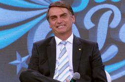 13/04 - Jair Bolsonaro encara o quadro