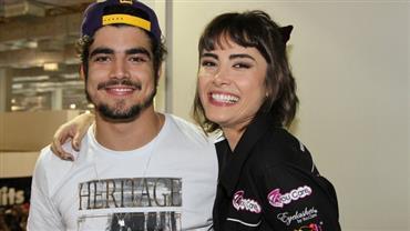 """Maria Casadevall responde Caio Castro após elogio: """"Contigo, amadureci também"""""""