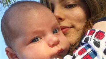 """Bruna Hamú posta clique fofo com o filho: """"Meu pinguinho"""""""