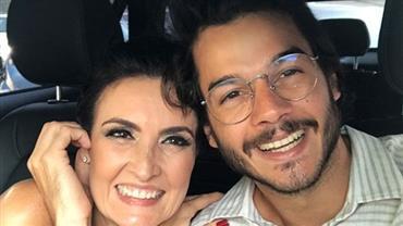 """Túlio Gadêlha se declara em foto romântica para Fátima Bernardes: """"Viva o amor"""""""