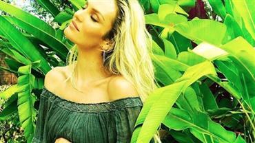 "Top Candice Swanepoel anuncia segunda gravidez: ""Natal chegou mais cedo"""