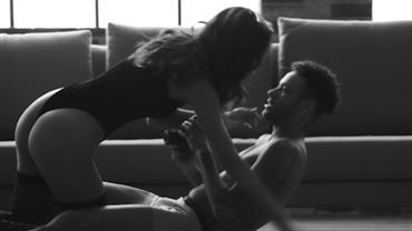 Bruna Marquezine e Neymar sensualizam em campanha do Dia dos Namorados