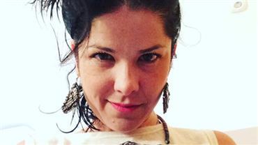"""""""Odiava meu corpo"""", diz Samara Felippo ao postar foto de biquíni aos 22 anos"""