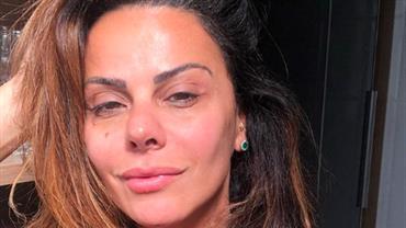 """Feia? Viviane Araújo rebate crítica de seguidor: """"Se olha no espelho primeiro"""""""