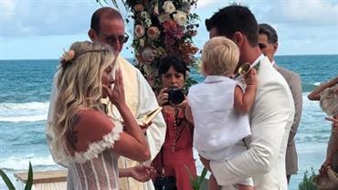 Karina Bacchi casa-se com Amaury Nunes; o pequeno  Enrico levou as alianças