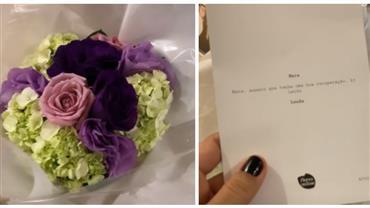 """Mariana Rios recebe flores e se surpreende com detalhe: """"Quem mandou?"""""""