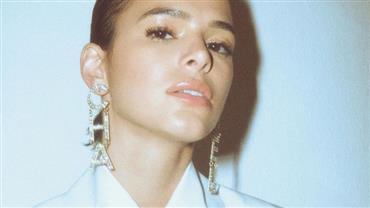 """Bruna Marquezine cita busca por autoestima e lembra fase difícil: """"Eu me tratava muito mal"""""""