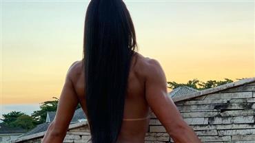 """Gracyanne Barbosa posa nua e filosofa: """"Padrão de beleza é você se sentir bem"""""""