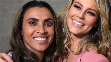 """Paolla Oliveira posa com Marta e pede """"incentivos emocionais e financeiros"""" ao futebol feminino"""