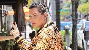 """Rodrigo Alves diz que rótulo de Ken Humano acabou: """"Só quero ser livre"""""""