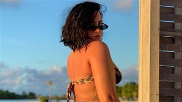 """Demi Lovato mostra celulites em foto de biquíni e desabafa: """"Cansada de ter vergonha"""""""