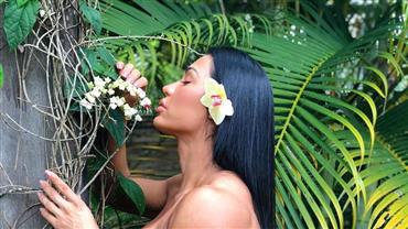 "Gracyanne Barbosa ostenta bumbum avantajado em meio à natureza e fã dispara: ""Rainha da selva"""