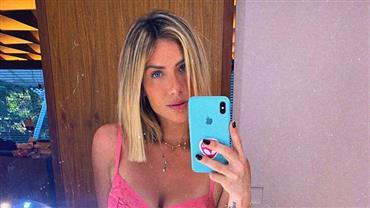 Giovanna Ewbank posta selfie de lingerie neon e barriga chama atenção