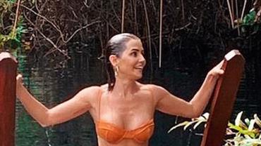 "Deborah Secco posa de biquíni e 'revolta' Mayra Cardi: ""Desaforo essa mulher"""