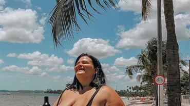 """Grávida, Thais Carla deixa a barriga à mostra: """"5 meses de puro amor"""""""