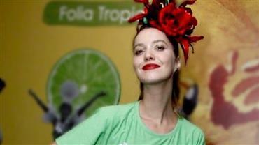 Nathalia Dill posta foto de biquíni e brinca com o cansaço pós-carnaval