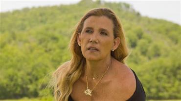 """Aos 65 anos, Rita Cadillac posa decotada: """"Graças a Deus, ainda lúcida e com saúde"""""""