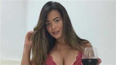 Marcou? Geisy Arruda posa de lingerie justinha e gera reações entre seguidores