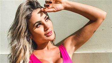 """Bailarina do Faustão, Natacha Horana surge com look decotado e seguidores aprovam: """"Perfeita"""""""