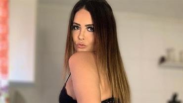 """Geisy Arruda exibe bumbum com lingerie usada em outras postagens e seguidor alfineta: """"Fotos novas, faz favor"""""""