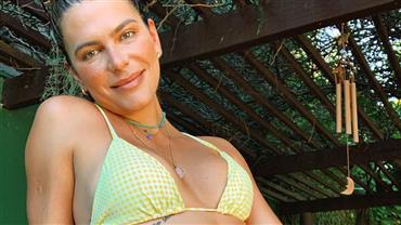 "Mariana Goldfarb exibe curvas ao posar com microshort e comemora: ""Natureza perfeita"""