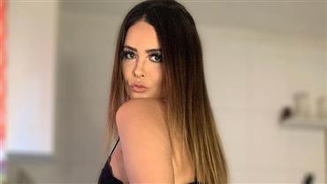 """Geisy Arruda relembra foto com maiô decotado e fã dispara: """"Casaria na hora"""""""