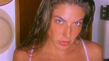 Com biquíni cavadíssimo, Rachel Apollonio exibe corpão e ostenta marquinha ousada em cliques sensuais