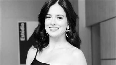 "Aos 44 anos, Vera Viel relembra época de modelo e seguidora compara: ""Parecendo a Isis Valverde"""