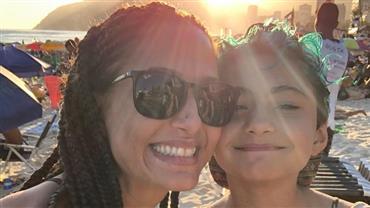 """Camila Pitanga e filha se recuperam de malária: """"Estamos curadas"""""""