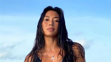 """Com maiô estiloso, Danni Suzuki posa em lugar paradisíaco e fã exalta: """"Deslumbrante"""""""