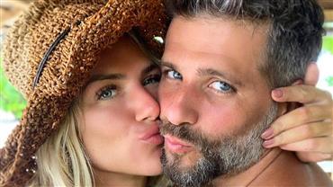 """Bruno Gagliasso relembra foto em que Giovanna Ewbank posa grávida de topless: """"Fonte de vida"""""""