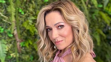 Com look fitness, Karina Lucco exibe coxas torneadas e fala sobre treinar em casa