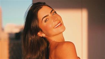 """De biquíni, Jade Picon mostra curvas em praia paradisíaca: """"Tudo azul"""""""