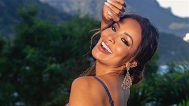 """Carol Nakamura surge sorridente em foto de lingerie e celebra: """"Ser livre e só"""""""